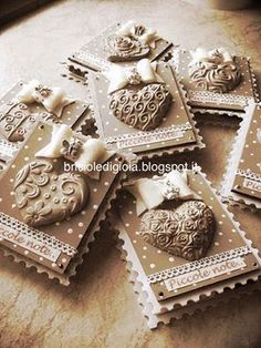 porta post it Clay Projects, Diy Projects To Try, Wax Tablet, Plaster Crafts, Wedding Boxes, Ceramic Beads, Handmade Flowers, Holidays And Events, Decoupage