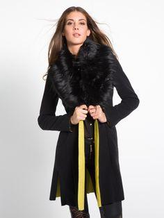 MET Women's Leganpel slim fit coat in doubleface broadcloth featuring raw-cut details. Detachable faux fur collar. -Met #met #metjeans #fallwinter17 #fall #winter #collection #woman #apparel #love #style #fashion #street #style #falltrend
