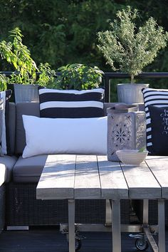 25 Amazing Scandinavian Terrace Designs: 25 Amazing Scandinavian Terrace Designs With Wooden Table And Outdoor Furniture And White Pillow – Momtoob Outdoor Living Space, Terrace Design, Outdoor Rooms, Outdoor Decor, Decor, Outdoor Inspirations, Outdoor Furniture, Outdoor Design, Outdoor Spaces
