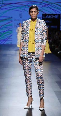 Urvashi Joneja - Lakme Fashion Week - SR 17 - 5
