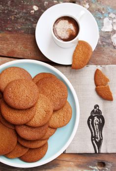 Seriously the BEST home made gingernut biscuits ever. Not kidding. Thermomix Recipes Healthy, Thermomix Desserts, Ginger Nut Biscuits, Ginger Cookies, Baking Recipes, Cookie Recipes, Dessert Recipes, Baking Ideas, Biscuit Cookies
