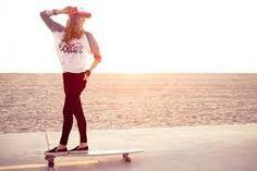Resultado de imagem para moda skate mujer