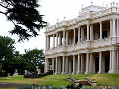 https://flic.kr/p/7vtMDb   Melbourne - Brighton   Kamesburgh Mansion, North Road, Brighton.  Built :1874 for William Kerr Thomson. Architect: Lloyd Tailer.  Period:  Victorian.  Style: Academic Classical.  Classified by: National Trust (B498) & Victorian Heritage Register (H1186)