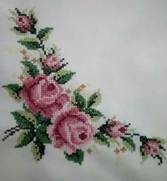 This Pin was discovered by Esr Simple Cross Stitch, Cross Stitch Rose, Cross Stitch Flowers, Cross Stitch Kits, Cross Stitch Charts, Cross Stitch Patterns, Cross Stitching, Cross Stitch Embroidery, Hand Embroidery
