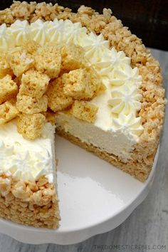 Rice Krispy Treat No Bake Cheesecake FOR CRUST: 6 cups Rice Krispies cereal ¼ cup salted butter 1 pkg miniature marshmallows FOR FILLING: 1 oz) pkg cream cheese, softened ½ cup sugar 1 tsp vanilla extract 1 oz) jar marshmallow creme/fluff 1 Rice Crispy Treats, Krispie Treats, Rice Krispies, Yummy Treats, Sweet Treats, Rice Crispy Cake, No Bake Desserts, Just Desserts, Delicious Desserts