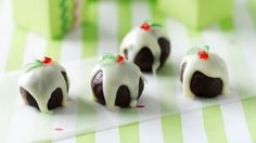 Little Christmas pudding truffles