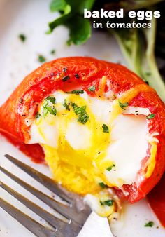 Baked Eggs in Tomato Cups - Simple, healthy and flavorful breakfast, brunch (even dinner!) recipe with eggs baked inside perfectly seasoned tomato cups. Carrot Recipes, Egg Recipes, Cooking Recipes, Healthy Recipes, Meatless Recipes, Healthy Meals, Yummy Recipes, Healthy Food, Breakfast