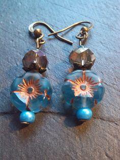 Boucles d'oreilles bohème, nature, romantique et fleur bleue : Boucles d'oreille par perlita-66