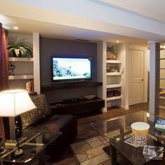 Si l'espace est insuffisant à l'étage, créez un salon ou carrément une salle de séjour au sous-sol