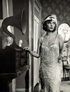 """Natalie Wood – """"The only time a woman really succeeds in changing a man is when he is a baby. Natalie Wood, Michelle Williams, Hollywood Actresses, Old Hollywood, The Great Race, Splendour In The Grass, Star Pictures, Star Pics, Elizabeth Taylor"""
