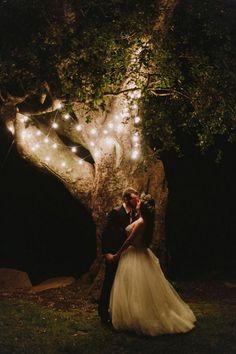 99 Sweet Ideas For Romantic Backyard Outdoor Weddings (89)