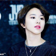 I love this hairstyle #taehyung #chaeyoung #nayeon #jin #jimin #jihyo #jhope #jungkook #momo #mina #sana #suga #dayun #rapmonster #tzuyu #bts #twice