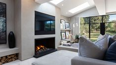 Most up-to-date Snap Shots gas Fireplace Remodel Thoughts Bespoke Gas Fireplace Tv Above Fireplace, Home Fireplace, Fireplace Remodel, Fireplace Design, Limestone Fireplace, Fireplace Ideas, Open Plan Kitchen Living Room, Living Room Tv, Home And Living