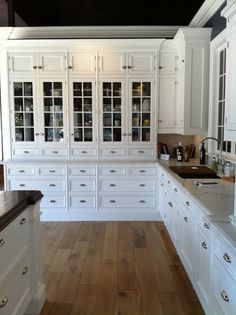 <3 the cabinets and floor