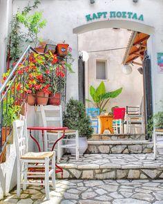 🇬🇷 Parga, Preveza, Epirus region, Greece Santorini, Instagram Accounts, Most Beautiful Pictures, Outdoor Gardens, Greece, Tropical, Patio, Landscape, Outdoor Decor