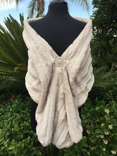 Bridal faux fur jacket wedding fur bolero bridal by woomeeBridal