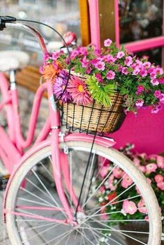 Spring Pink bicycle with basket, If you are looking for a pink bicycle idea here it is Frühling Wallpaper, Bicycle Wallpaper, Pink Bike, Deco Nature, Bicycle Art, Bicycle Basket, Flower Basket, Vintage Pink, Vintage Art