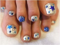 Image uploaded by KimsKie's Nails. Find images and videos about cute, nails and nail art on We Heart It - the app to get lost in what you love. Get Nails, Fancy Nails, Love Nails, Hair And Nails, Pretty Toes, Pretty Nails, Star Nails, Manicure E Pedicure, Pedicure Ideas