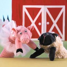 Little Piggy and Woolly Wonder Sock Puppets...love this, almost looks like Lamb Chop
