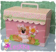 Leskka - Arte em e.v.a Cardboard Crafts, Foam Crafts, Diy And Crafts, Crafts For Kids, Paper Crafts, Pretty Box, Niece And Nephew, Diy Box, Baby Cards