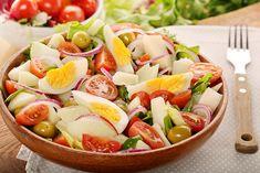Ensalada campera, receta fácil para el calor Fruit Salad, Cobb Salad, Cooking Recipes, Healthy Recipes, Fruits And Vegetables, Summer Recipes, Pasta Salad, Potato Salad, Salad Recipes