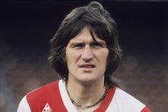 Lex Schoenmaker . De enige echte Haagse Lexie.  Veel scorende spits uit de jaren 70 met als hoogtepunt de UEFA cup winst.