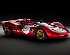 1967 Ferrari 330 P4 Le Mans. Body styled by Piere Drogo. Type 237 60º V12, DOHC, 3 valves/cyl, 3967cc/242.1cu.in., 335.6kw/450.0bhp @J Vasq rpm. 792kg/1746lbs. Only 4 built (one is a P3/4).