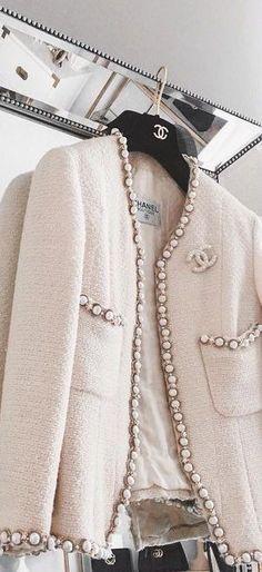 Moda Vintage Fashion Coco Chanel 24 New Ideas Trendy Fashion, Vintage Fashion, Fashion Outfits, Womens Fashion, Fashion Trends, Fashion Clothes, Jackets Fashion, Classy Fashion, Fashion Weeks