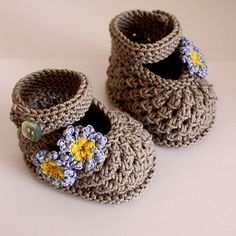 This is a Knitting PATTERN Forget-Me-Not Baby Shoes