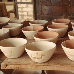 O artesanato contemporâneo brasileiro originou-se da mistura das culturas indígena, africana e portuguesa. #decoracao #artesanato #ceramica #vasos #indigenas #brasil
