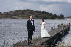 Blomstermåla Särö. Augustibröllop i skärgården. En fantastisk dag. Tack vackra ni för äran att få föreviga den. #septemberhimmel