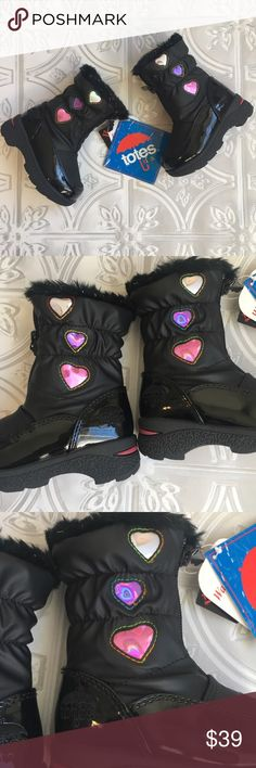 Winter patent leather heart boots zipper girls new Totes Heartful Toddler Girls' Waterproof Winter Boots Zipper front.  Sparkle furry lining.  Heart detail Brand New in Box totes Shoes Boots