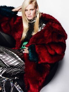 #theoutfit #love Lara Stone by Mario Testino for Vogue UK August 2015