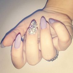 Purple/gray nails with statement diamante finger Get Nails, Fancy Nails, Love Nails, How To Do Nails, Hair And Nails, Sparkle Nails, Fabulous Nails, Gorgeous Nails, Pretty Nails