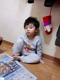 """""""Baby Xiumin so cuteeeeeeee"""" little baozi!!! so sweet! XD"""