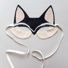 shopminikin - Lucille Fox Mask, Black (http://www.shopminikin.com/lucille-fox-mask-black/)