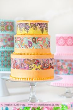 Paisley Cakes decorated by Laura Parke