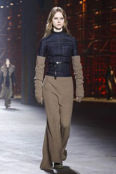 Diesel Black Gold Fashion Show Ready to Wear Collection Fall Winter 2017 in Milan