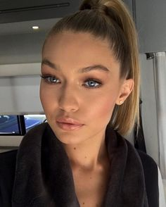 Gigi's make up here is so pretty and glowing. Well, she IS naturally, but even more so with this make up.