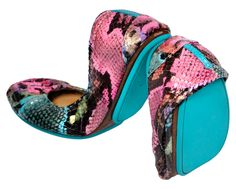 I am slightly obsessed with Tieks. These are so comfy.