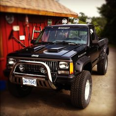 Nice picture of my sons beauty jeep Comanche 1989 with6 inch lift and six speed tranny