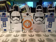 R2D2 de Star Wars BB8 y soldados de asalto por GalacticParty