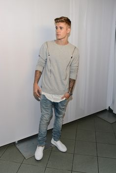 Honoree Justin Bieber attends the 2014 Young Hollywood Awards brought to you by Mr. Pink held at The Wiltern on July 27, 2014 in Los Angeles, California.