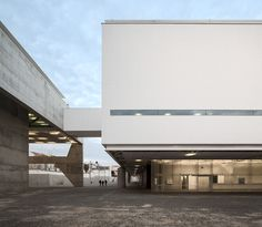 Image 79 of 115 from gallery of Museu dos Coches / Paulo Mendes da Rocha + MMBB Arquitetos + Bak Gordon Arquitectos. Photograph by Fernando Guerra Portugal, Ride Or Die, Le Corbusier, Passed Away, Brutalist, Museum, Exterior, Mansions, House Styles