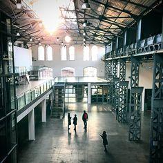 1000things.at lockt euch raus aus der Komfotzone und präsentiert entlegene Orte in Wien, die von euch entdeckt werden wollen. Der Bus, Location, Vienna, Beautiful Places, Adventure, World, Instagram, Secret Places, Snow Mountain
