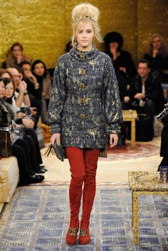Chanel Pre-Fall 2011 Fashion Show - Ashley Smith