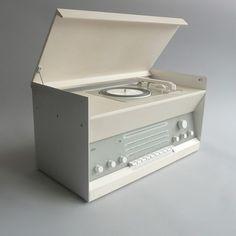 português        inglês        espanhol                ian borthwick: Braun Atelier sistema de som 3 projetado por Dieter Rams (1962).