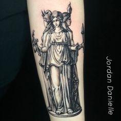 Moon Tattoo Designs, Tattoo Designs For Women, Witch Tattoo, I Tattoo, Toronto Tattoo Artists, Hecate Goddess, Nature Witch, Birthday Tattoo, Black Cat Tattoos