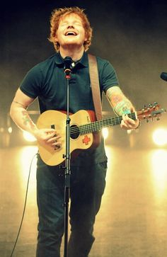 ed sheeran. seriously my idol Ed Sheeran, Folk Music, My Music, Edward Christopher Sheeran, Beautiful Men, Beautiful People, Music Rock, Bae, I Love Him