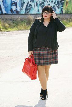 CONQUORE · The Fatshion Café   Fashion Plus Size Blog: Beginning of fall · Tartan Skirt Plus Size